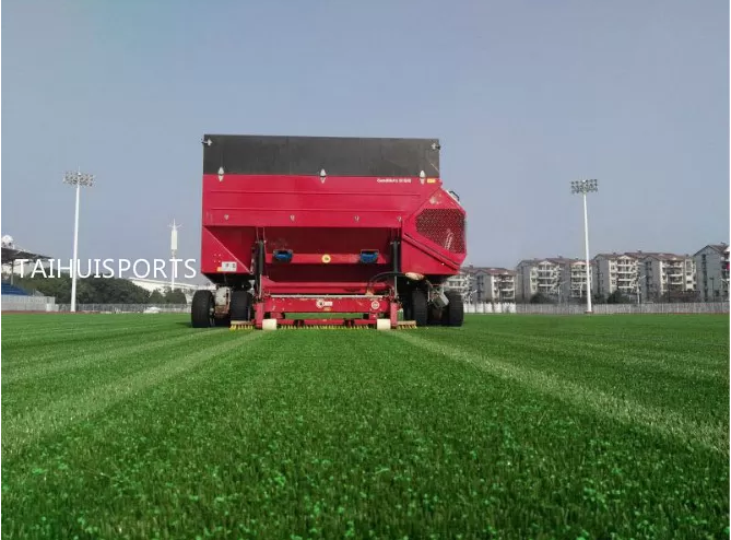 SEBS Shock Absorbing Rubber Infill Cooling granules Recyclable Turf Infill For Artificial Grass Less Filling Acid