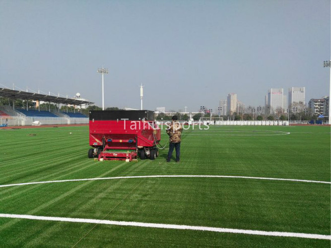 Low Bulk Density Recyclable SEBS Green Synthetic Turf Infill High Grade Indoor&Outdoor Soccer Sports Field 8
